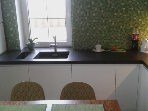 kuchnia-nowoczesna-lakierowana04